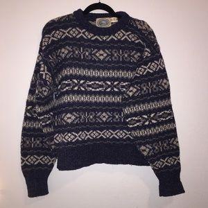 Cozy Vintage Wool Sweater !!